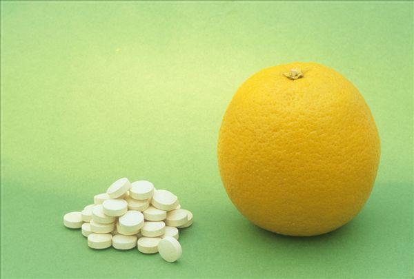 Как луди учени накараха света да вярва, че витамин C лекува настинки и инфекции