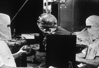 Кои са някои от най-страховитите експерименти, които са провеждани някога върху хора?